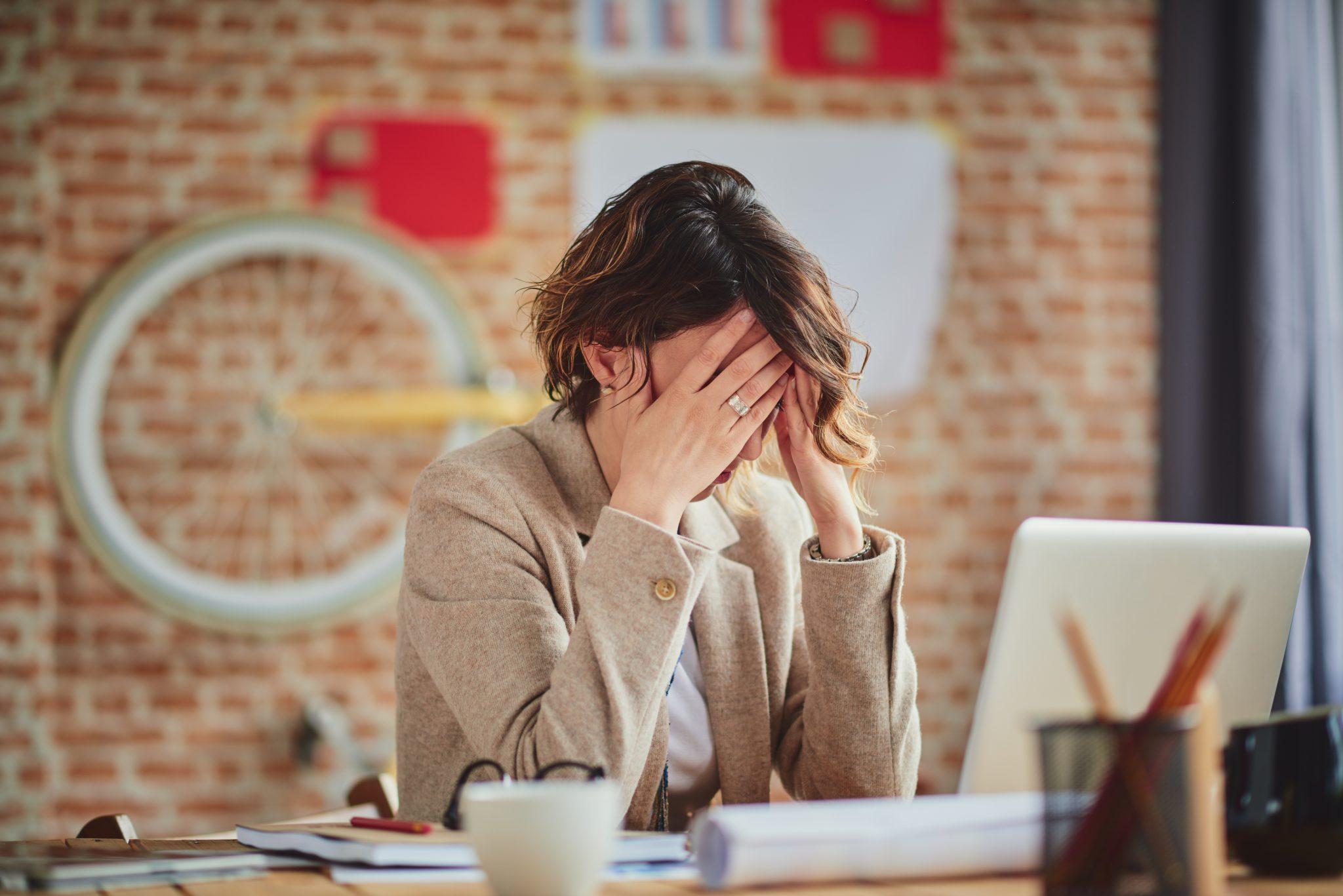 Unul din cinci angajaţi iau o pauză din cauza stresului