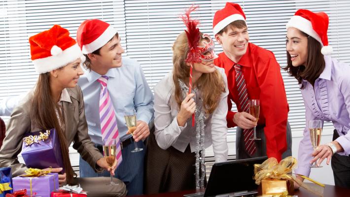 Cum se va desfășura petrecerea de Crăciun de la birou în anul pandemiei de COVID-19?